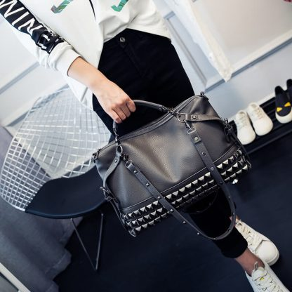 CMX GETFASIONBAGS Fashion Punk Rivet Shoulder Messenger Bag 3